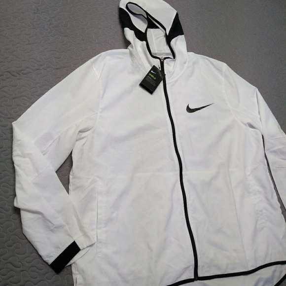 44acf01aaa62 Nike Showtime shield basketball jacket